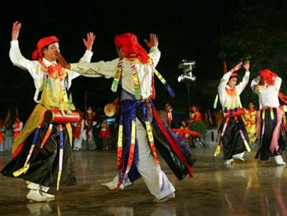 Lễ hội làng Triều Khúc Muatro11