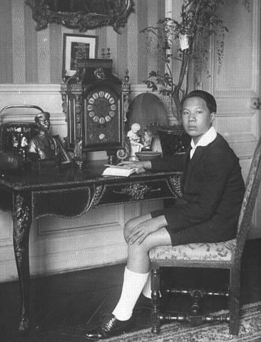 Hình ảnh Vua VN, thế kỷ 20 Vuabd110