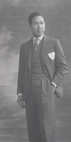 Hình ảnh Vua VN, thế kỷ 20 Vuabd310