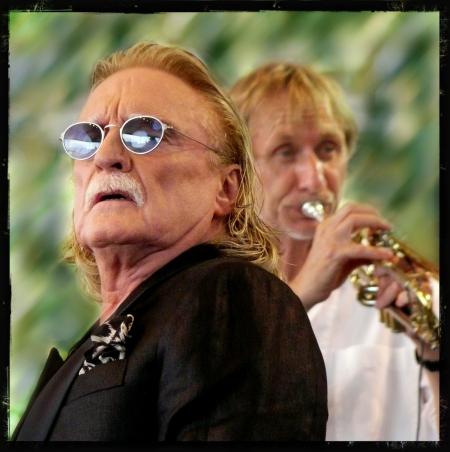 Rencontre : Le chanteur Christophe et le trompettiste Erik Truffaz Comment vous êtes-vous rencontrés ? Heaven10