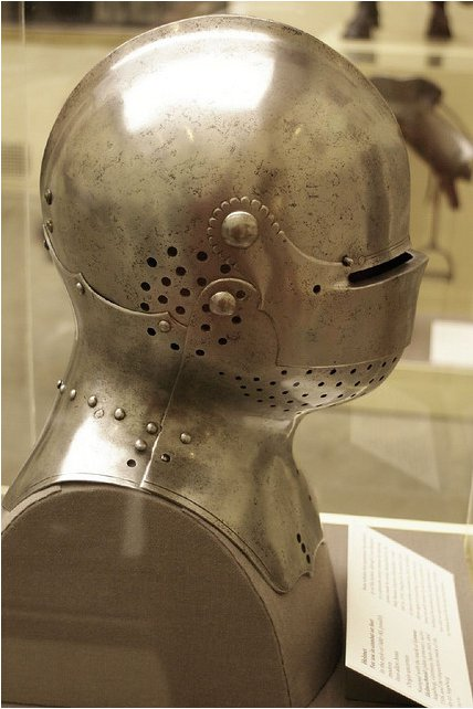 casque tournois XVth Lorenz10