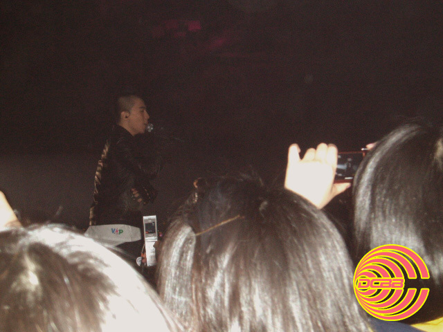 Big Bang Global Warning Concert in BUSAN 12 Apr 2008 (Short clip of HYD parody) 318ba510