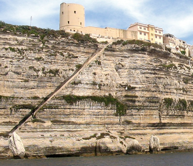 L'escalier du Roi d'Aragon - Bonifacio - Corse - France 02-13s10