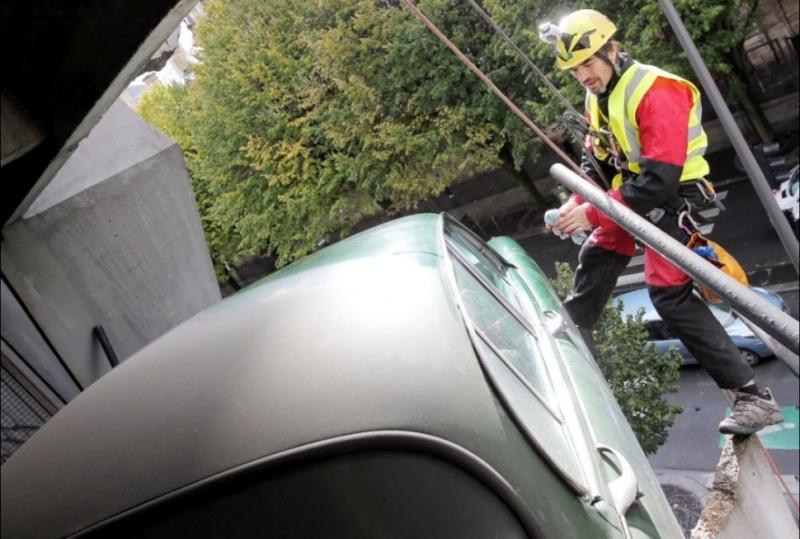 Jaguar accidentée à Bordeaux, Gironde - France 06-11-11