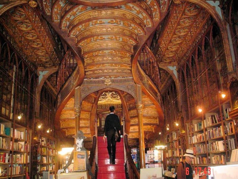 La librairie Lello et Irmao, Porto - Portugal 22-05-11