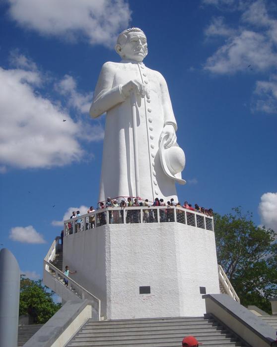 [Brésil] - Statue du padre Cicero- Juazeiro do Norte 47757010