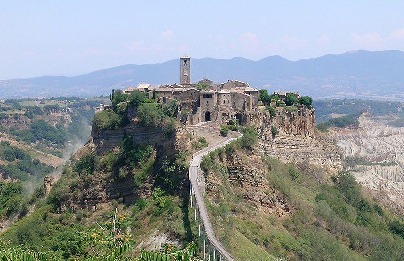Civita di Bagnoregio - Italie 800px-16