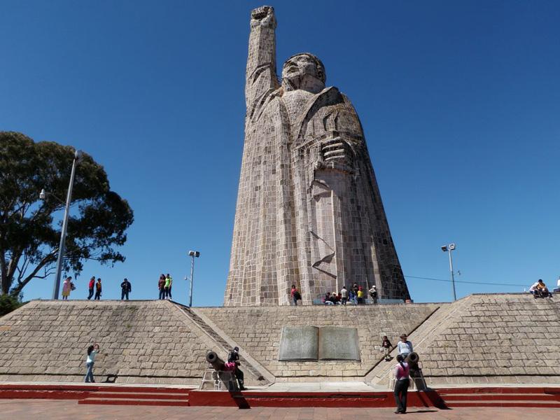 [Mexique] - Statue de José Maria Morelos, Isla de Janitzio, Etat du Michoacan Jose_m11