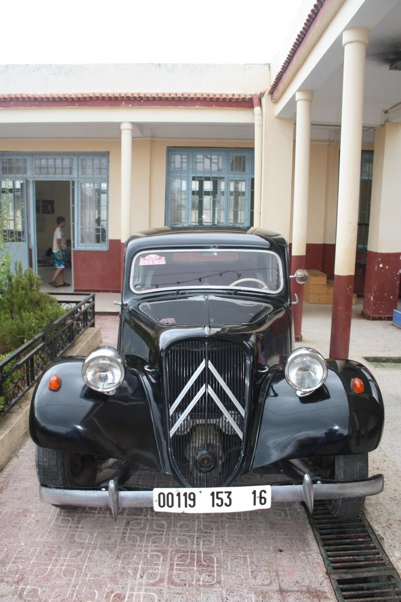 Les anciennes voitures à l'honneur à Dellys. Voit110