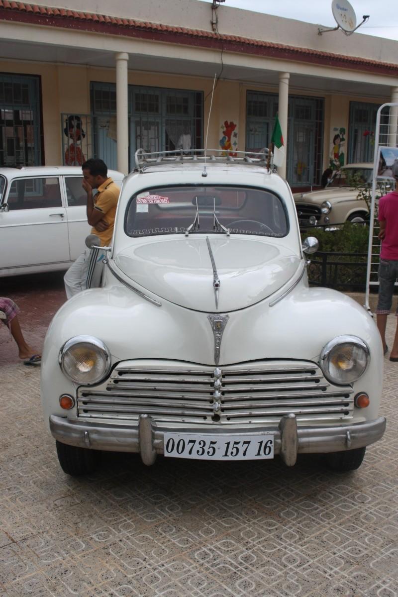 Les anciennes voitures à l'honneur à Dellys. Voit510