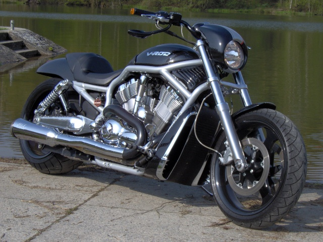 V-ROD combien sommes-nous sur le Forum Passion-Harley Hpim0711