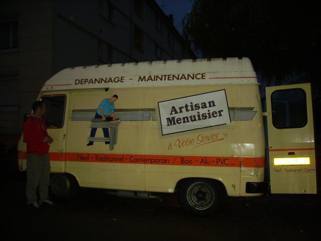 un M... un Peugeot J9!!! 11848518