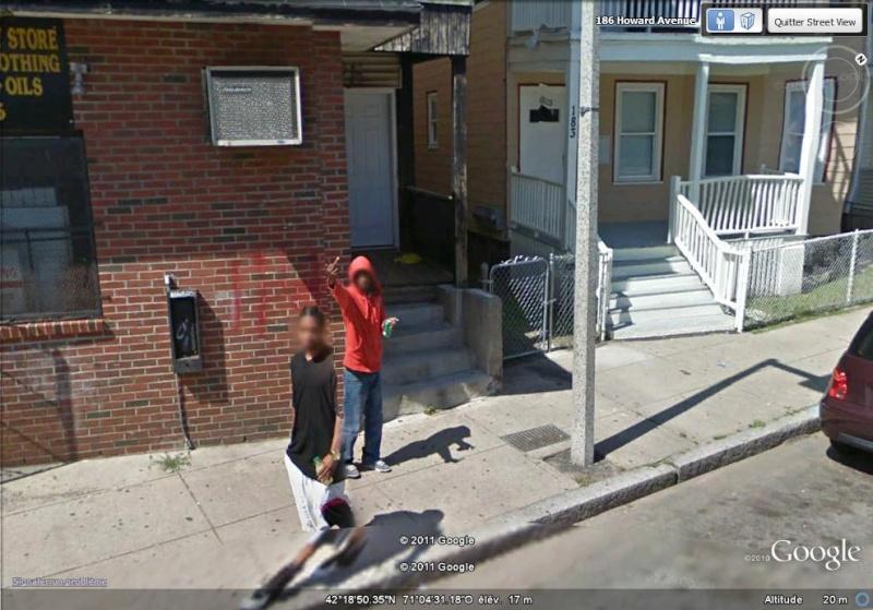 STREET VIEW : quand la Google Car attise l'obscénité Enchan10