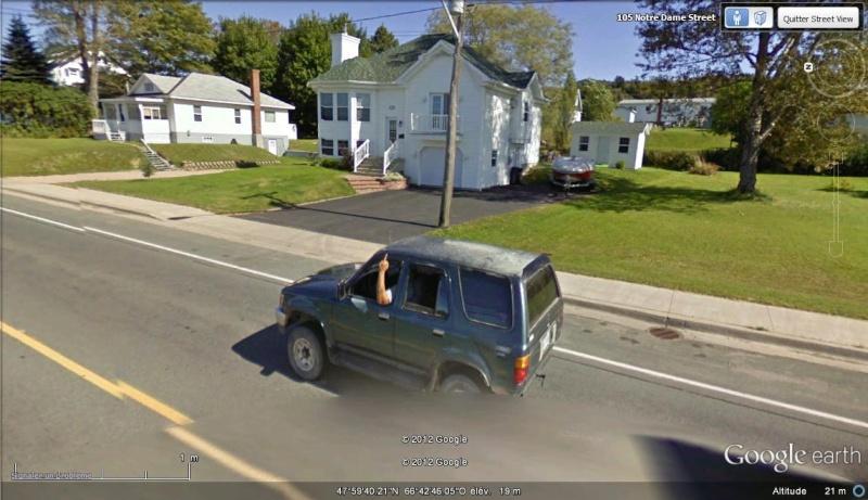STREET VIEW : quand la Google Car attise l'obscénité Fuck_a10
