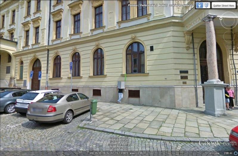 STREETVIEW: Etre un grand lecteur, Olomouc, République Tchèque Gros_l10