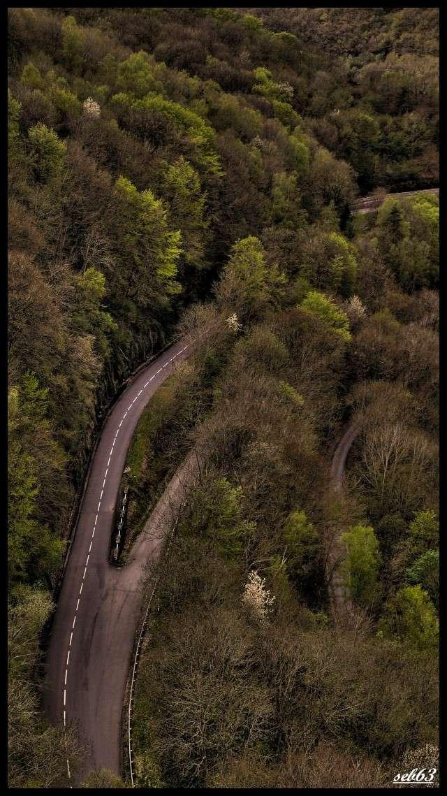 une route vue de haut P1020811