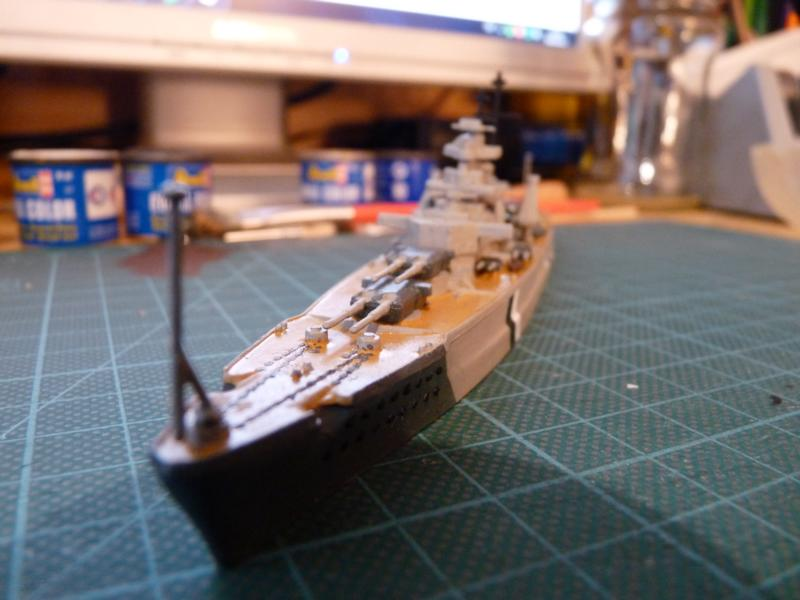 Schlachtschiff Bismarck - Revell 1:1200 P1030712