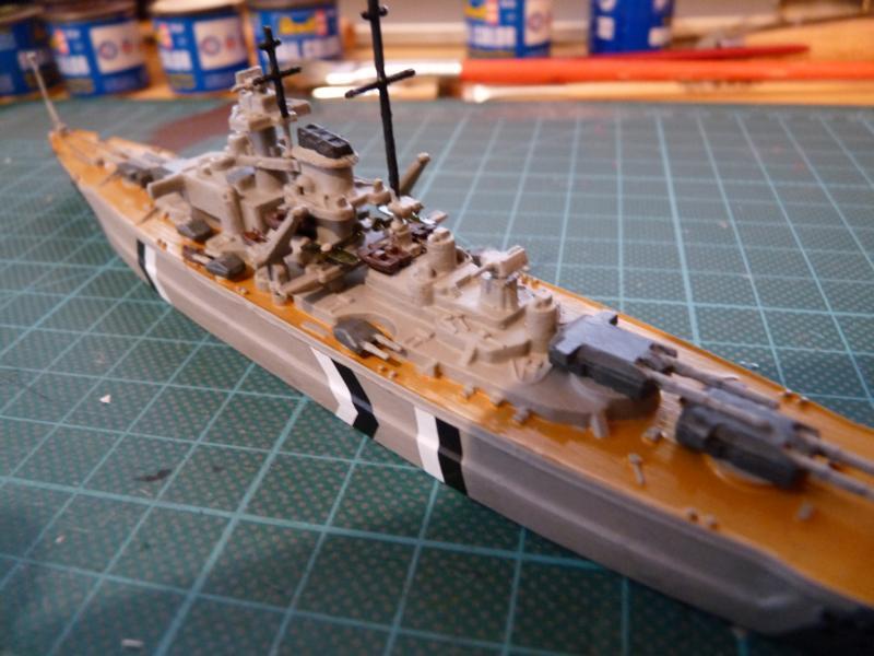 Schlachtschiff Bismarck - Revell 1:1200 P1030715