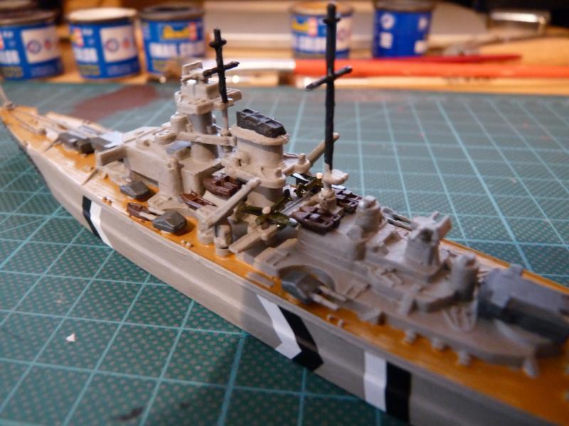 Schlachtschiff Bismarck - Revell 1:1200 P1030716