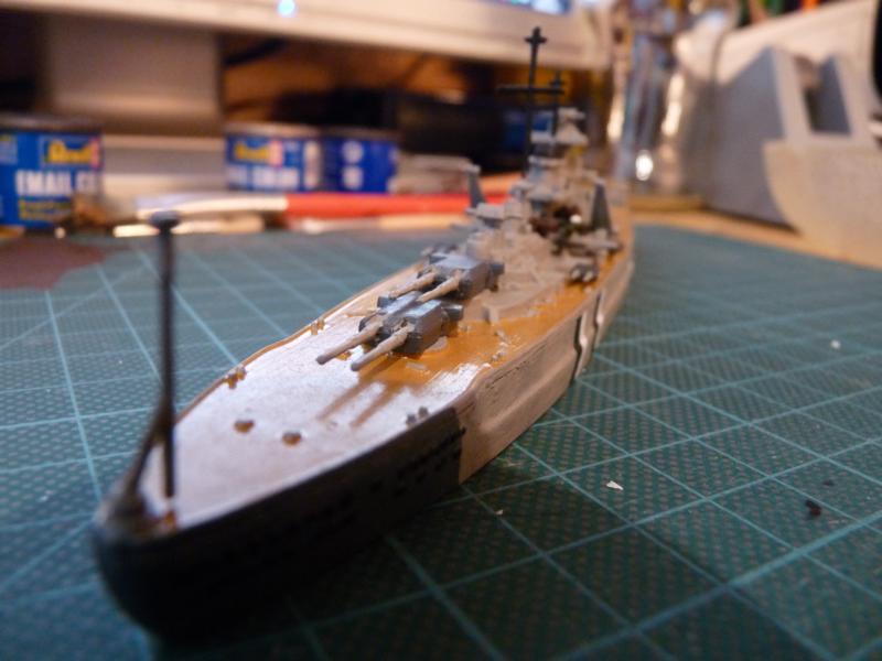 Schlachtschiff Bismarck - Revell 1:1200 P1030719