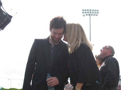 David Cook with his family! 31725910