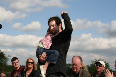David Cook with his family! Always13