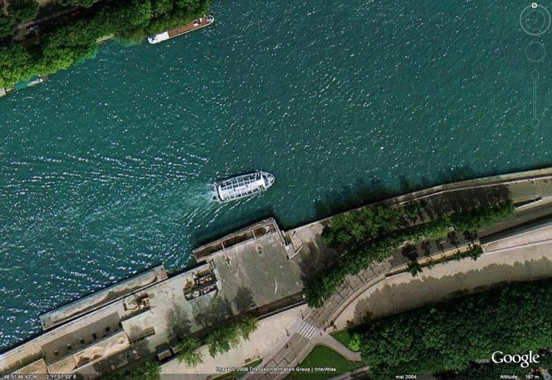 Bateau de la Seine . Image411