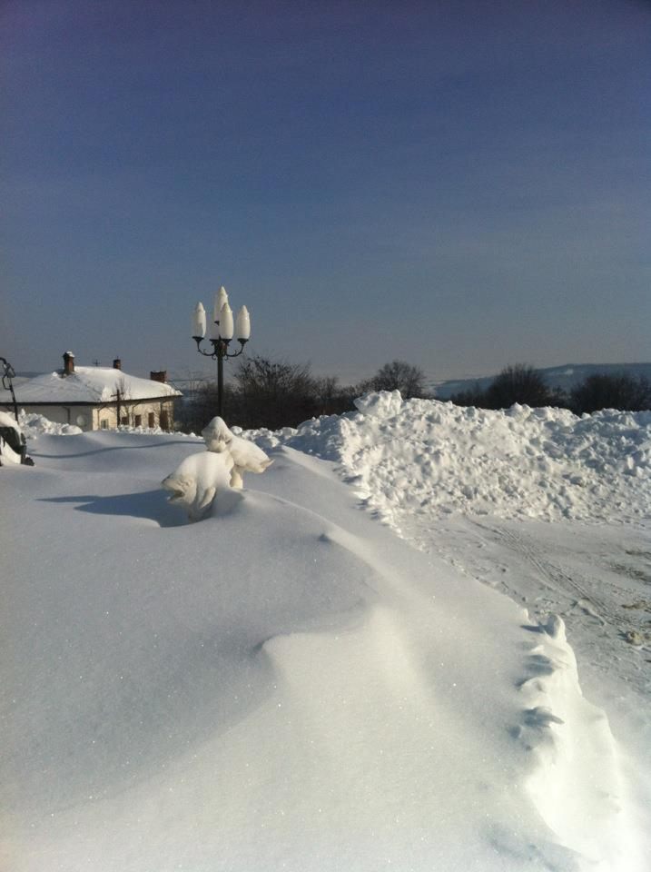 Quelques souvenirs de la neige à Iasi 15/02/2012 =) Iasi_s11