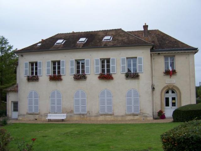 Neauphle-Le-Chateau Z_hall10