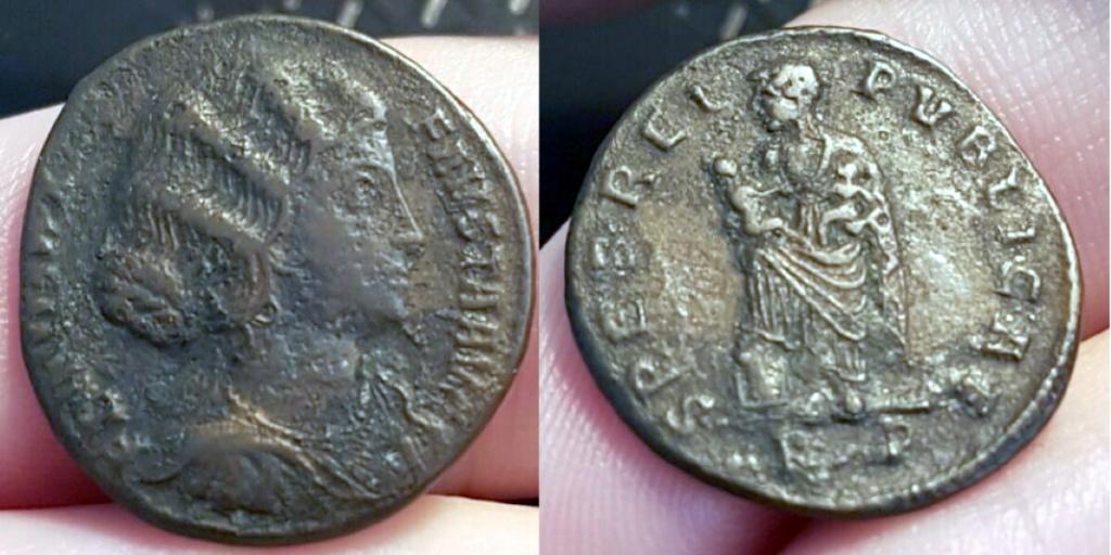 Fausta de Rome - particularité ? Fausta10