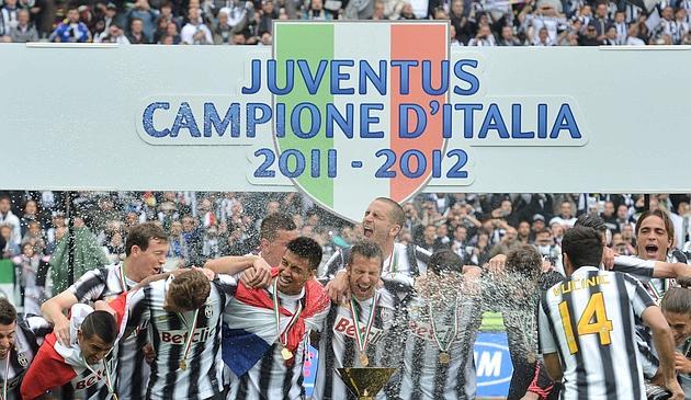[2011/2012] Calcio - Page 9 Fbl-it11