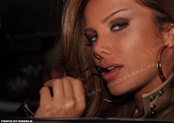 Nicole Saba in her new clip BIRA7TI N7720511