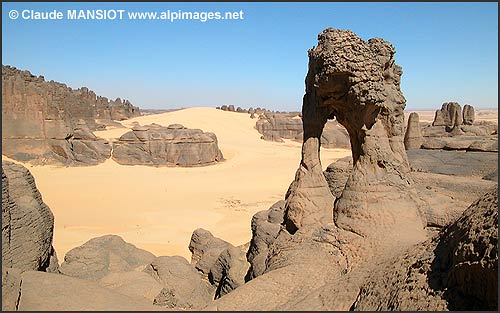الجزائر من بين أجمل 10 بلدان في العالم من حيث جمال الطبيعة  20041110