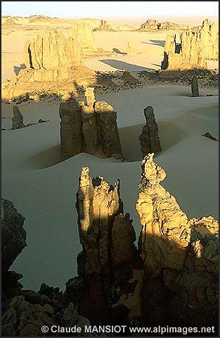 الجزائر من بين أجمل 10 بلدان في العالم من حيث جمال الطبيعة  20041117
