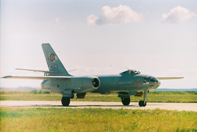Aeronave militare - Pagina 2 Cadrul12
