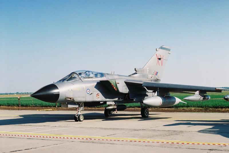 Aeronave militare - Pagina 2 Cadrul23