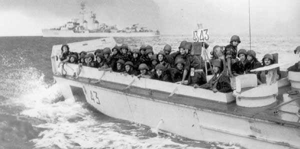 l'opération de suez Suez-410