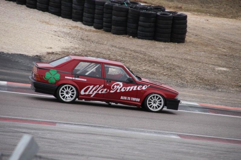 Dijon avec l'Alfa classic club de France le 11/03/2012 Img_7010