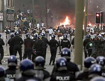 Uk Riots (Photos) Uk-rio10