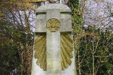 A la découverte des mémoriaux et cimetières militaires - Page 3 16765310