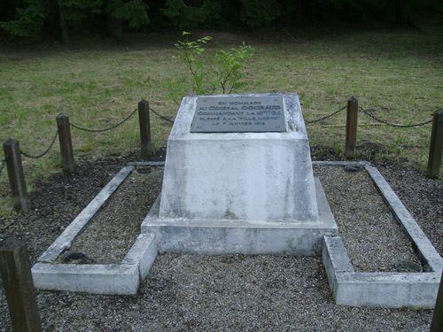 A la découverte des mémoriaux et cimetières militaires - Page 3 55-13210