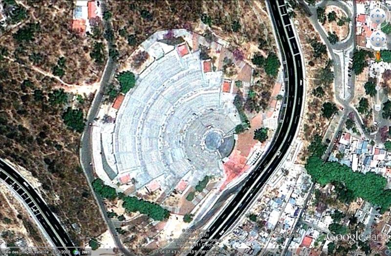 [Mexique] - L'Estadio Guelaguetza Auditorium, lieu des fêtes améridiennes à Oaxaca Estadi10