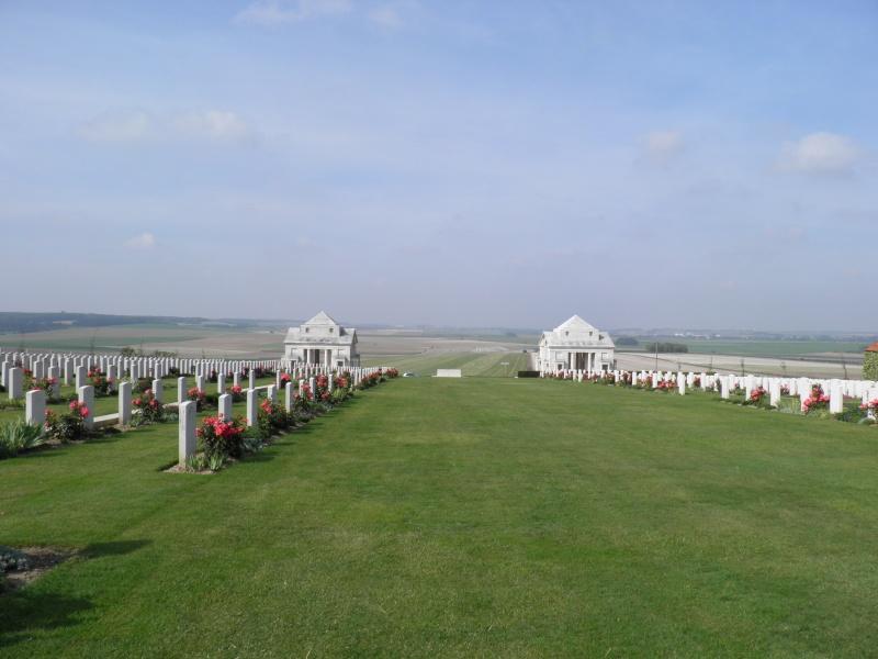 A la découverte des mémoriaux et cimetières militaires P9040113