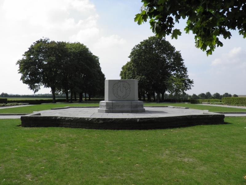 A la découverte des mémoriaux et cimetières militaires P9040120