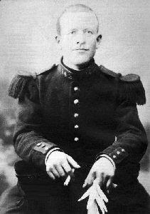 Tombe du Soldat Augustin Trébuchon, dernier Mort Français de la Grand Guerre 14-18, Vrigne-Meuse, Ardennes P_augu10