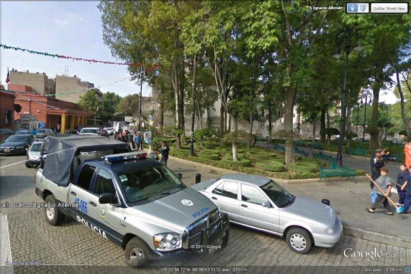 STREET VIEW : véhicules de police du monde - Page 8 Police11