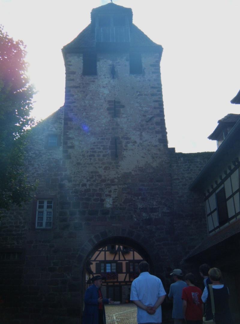 Visite accompagnée du village tous les mercredis soirs des mois de juillet et août 2011 avec le Cercle d'Histoire(s) de Wangen Dscf6511