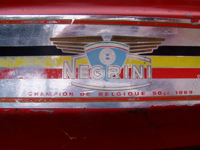 Et hop, une Négrini visiblement de 1969..... P1010176