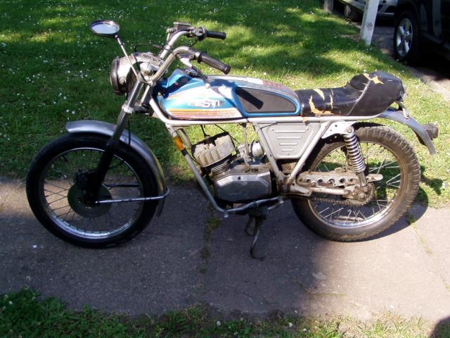 Et hop, une Testi Italienne 1975 frein à disque. P1010227