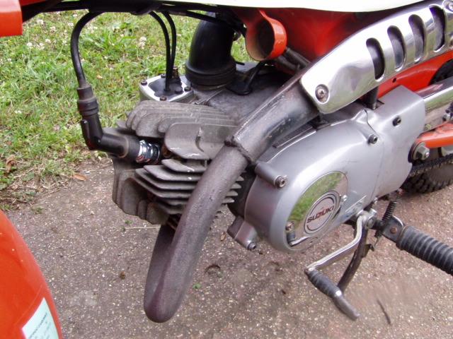 Et hop, une Suzuki Vanvan RV 50 de 1981. P1010283